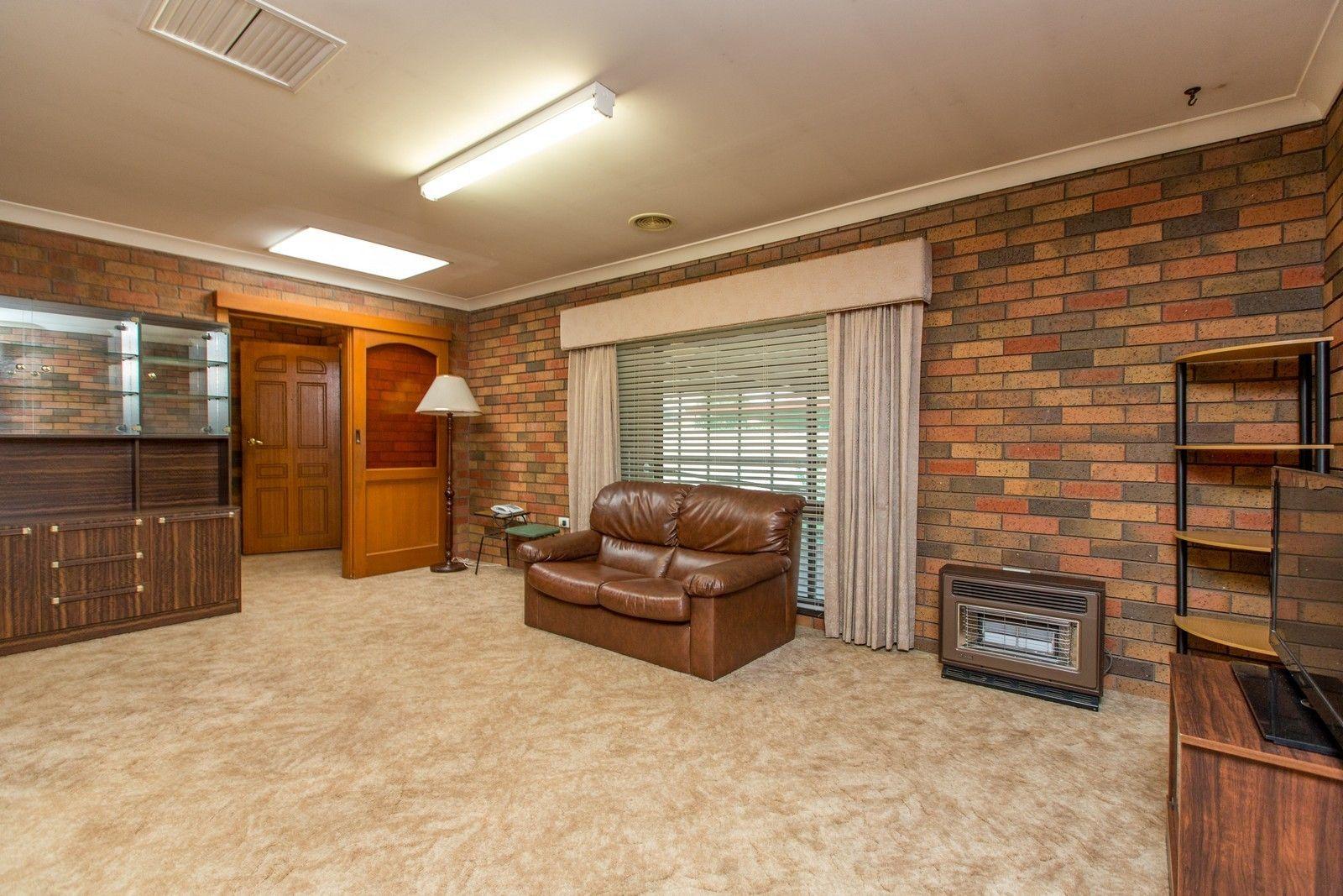 68 Huthwaite Street, Mount Austin NSW 2650, Image 1
