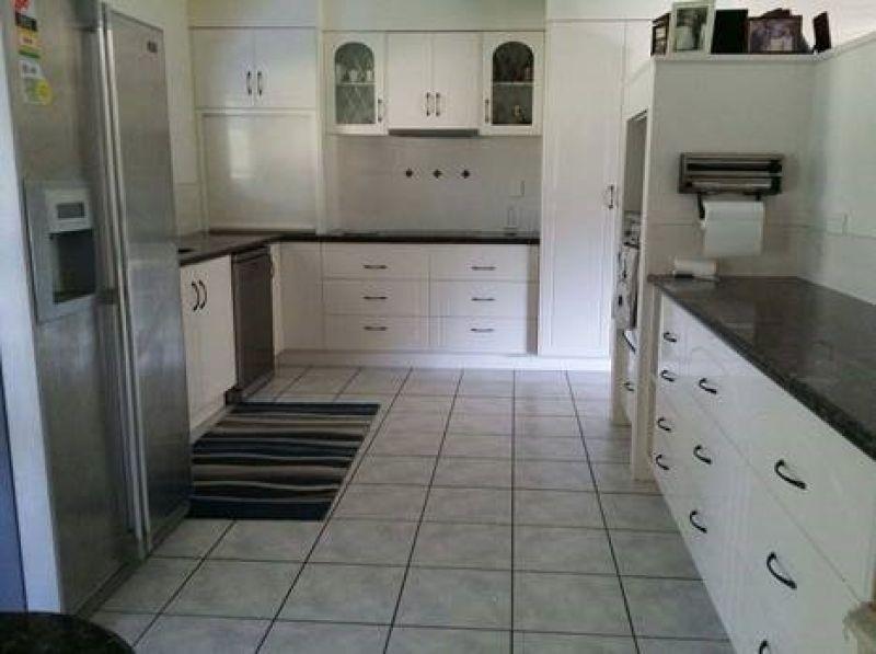 10 Brady Road, Oak Valley QLD 4811, Image 1