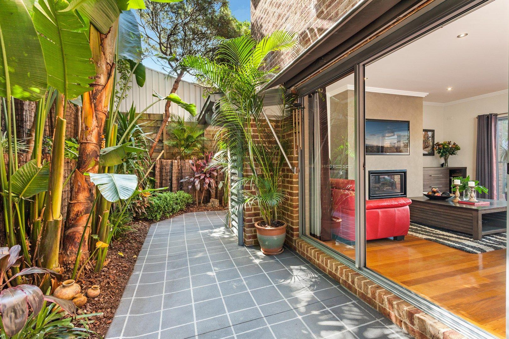 7/4 Kembla  Street, Balgownie NSW 2519, Image 1