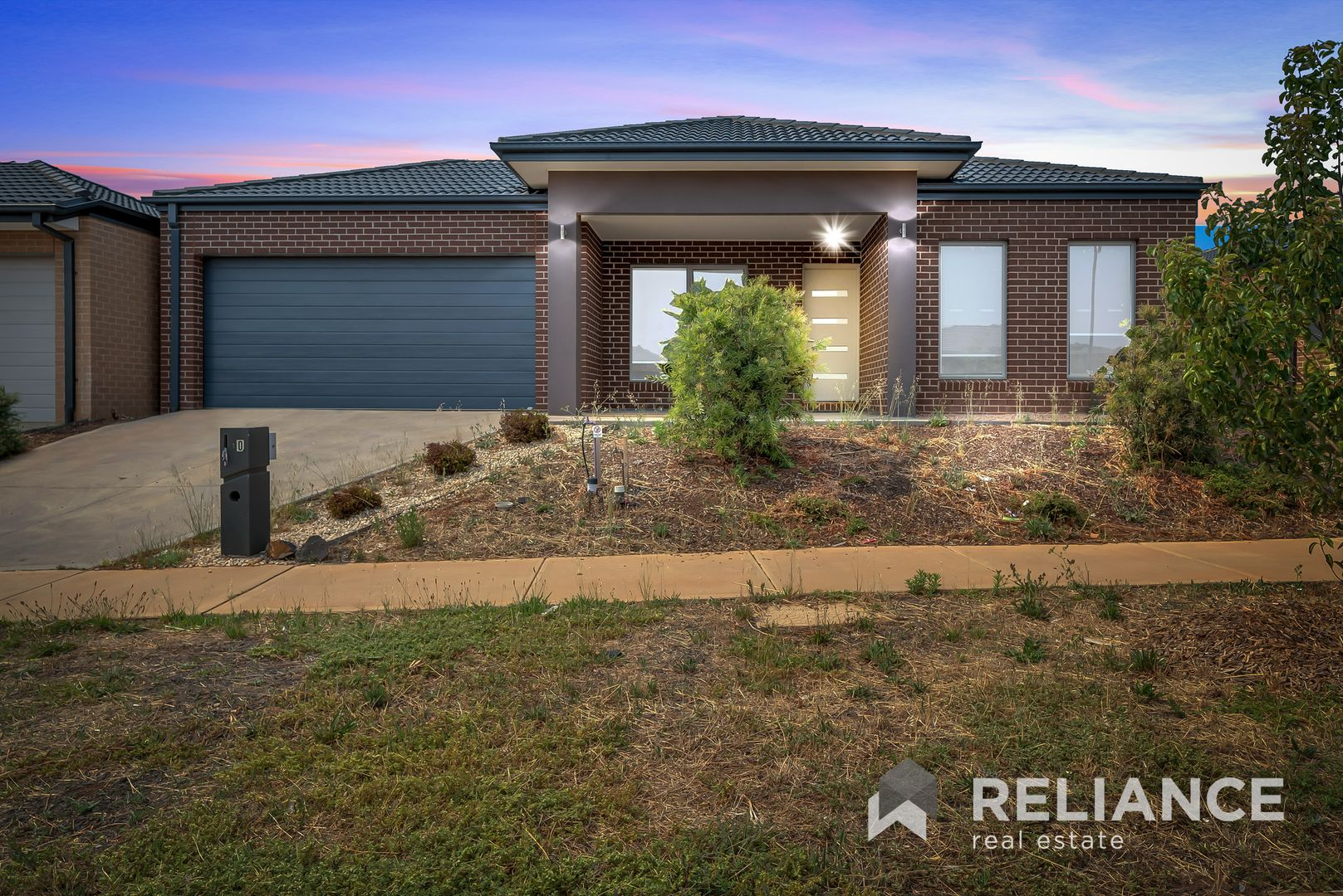 10 Toolern Waters Drive, Melton South VIC 3338, Image 2