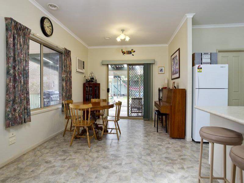 3 Barwon Drive, Kennington VIC 3550, Image 2