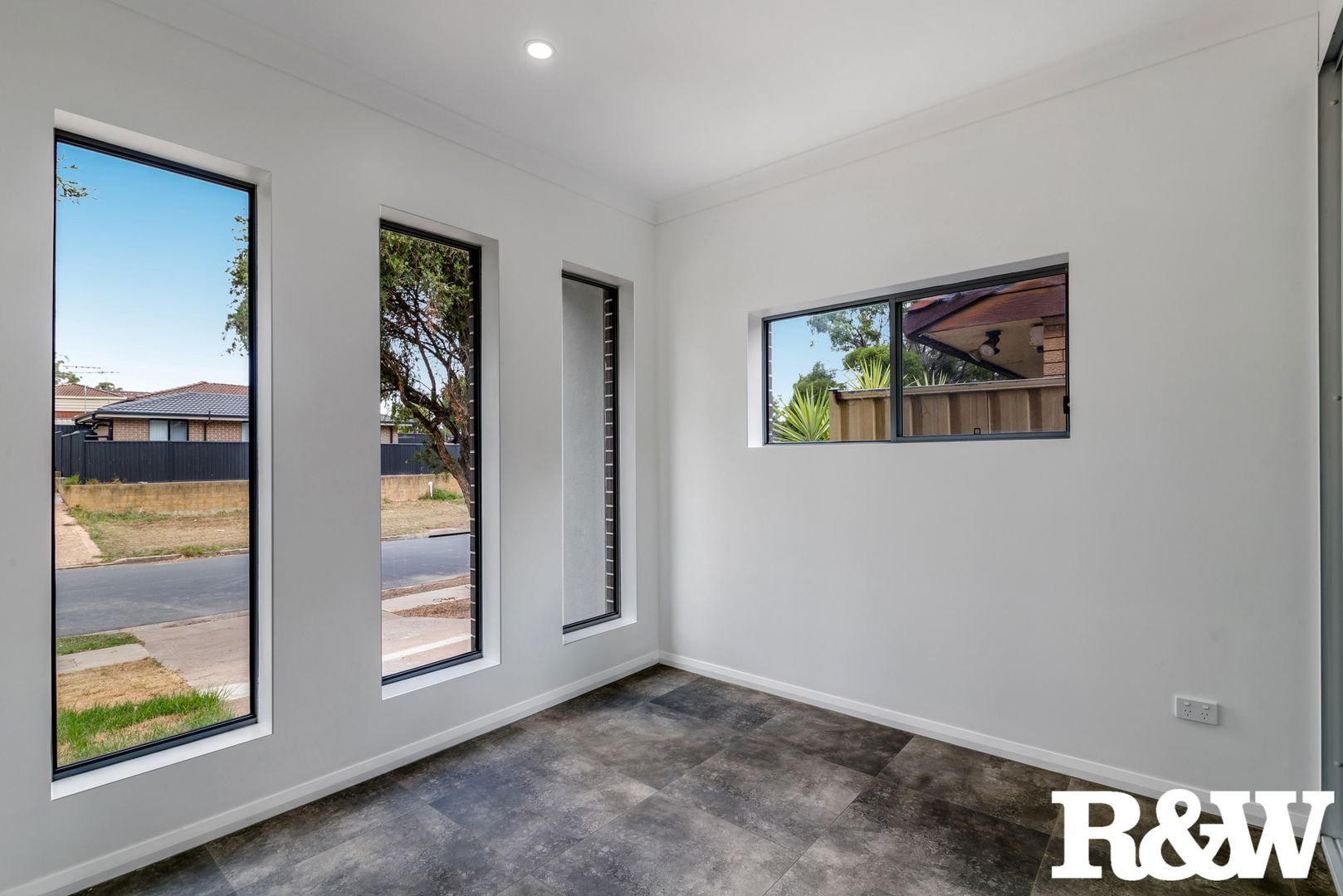 38A Leicester Way, St Clair NSW 2759, Image 2