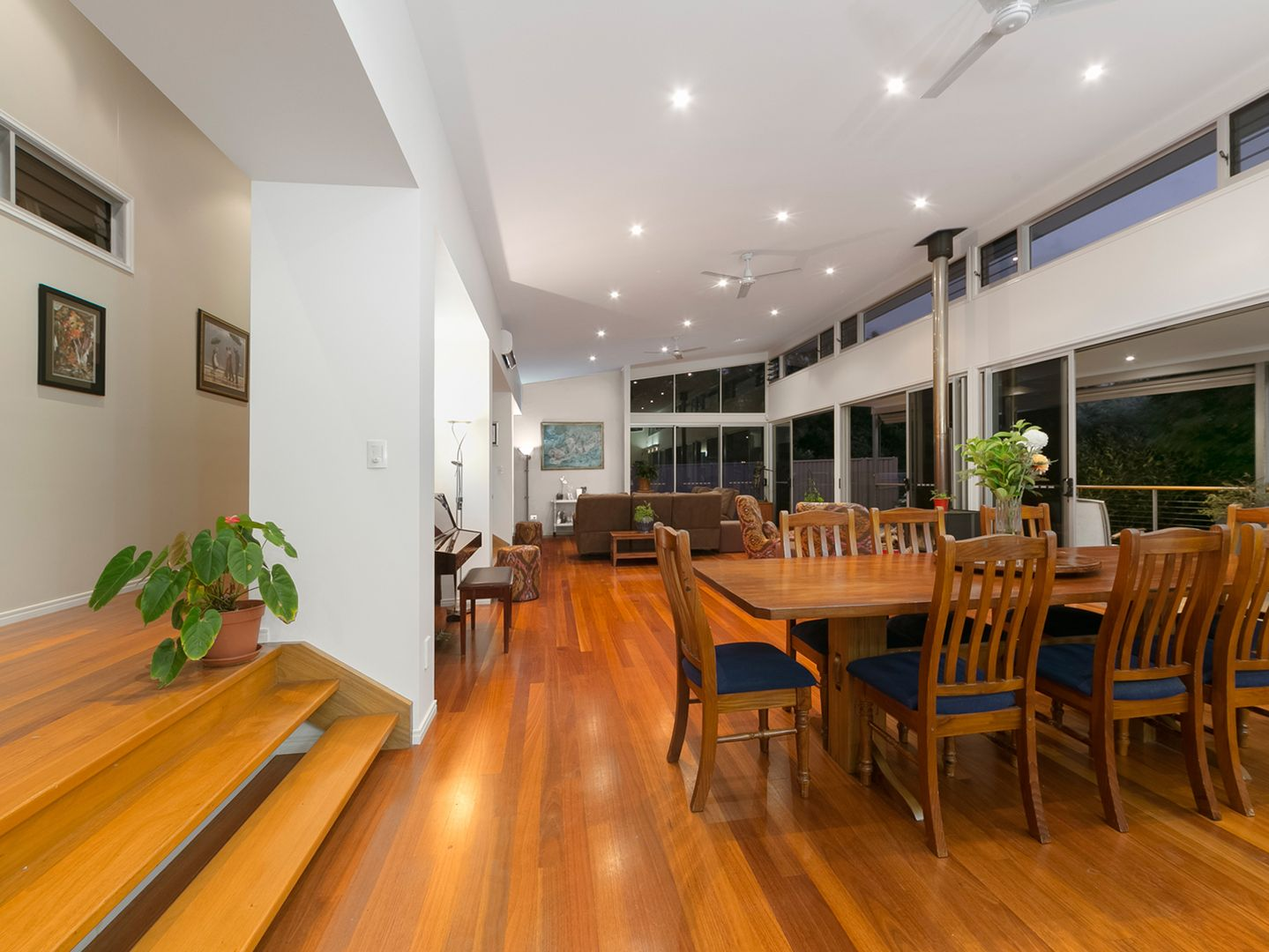 19 Gabrielle Place, Manly West QLD 4179, Image 0
