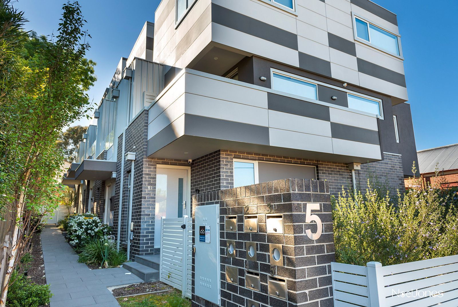 3/5 Henry Street, Box Hill VIC 3128, Image 1