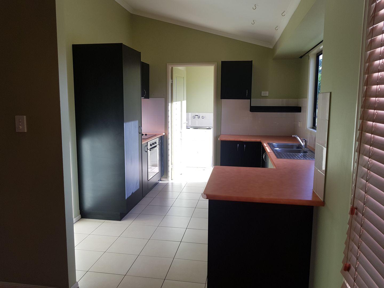 5 Bulloch Court, Collinsville QLD 4804, Image 2