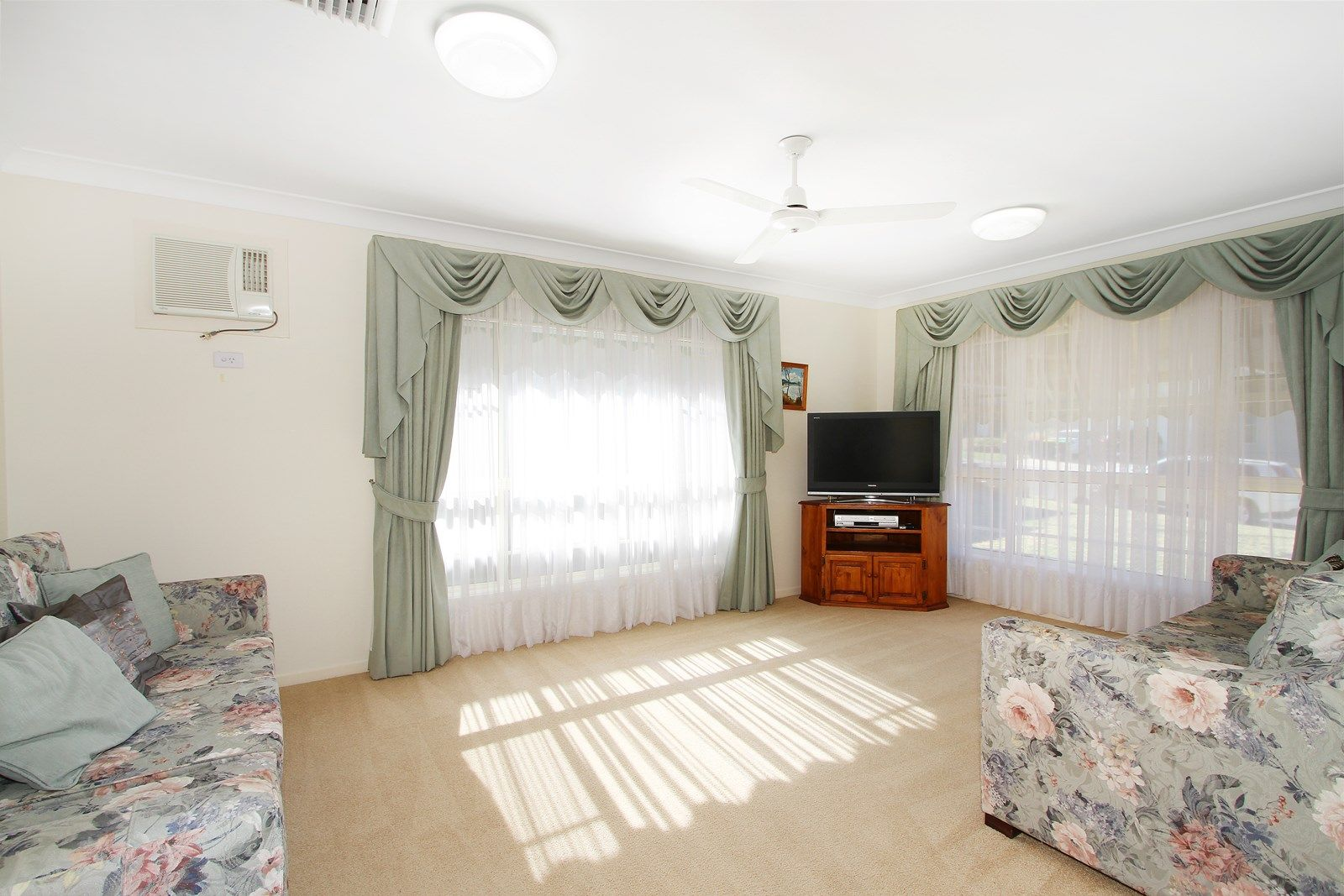 11 Conimbla Crescent, Tamworth NSW 2340, Image 1
