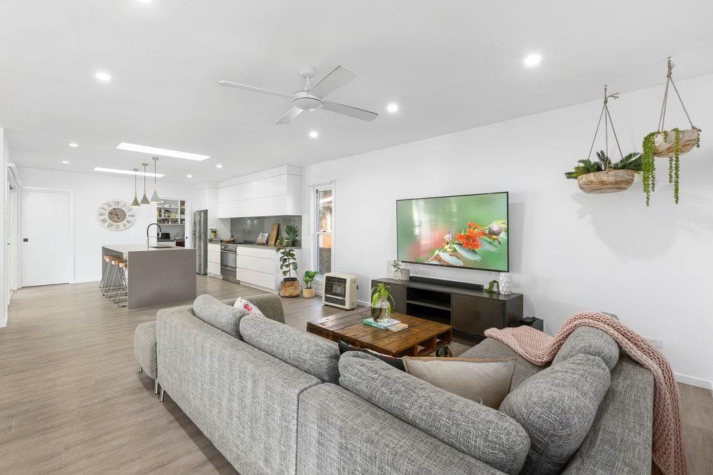 43 Beacon Avenue, Bulli NSW 2516, Image 1