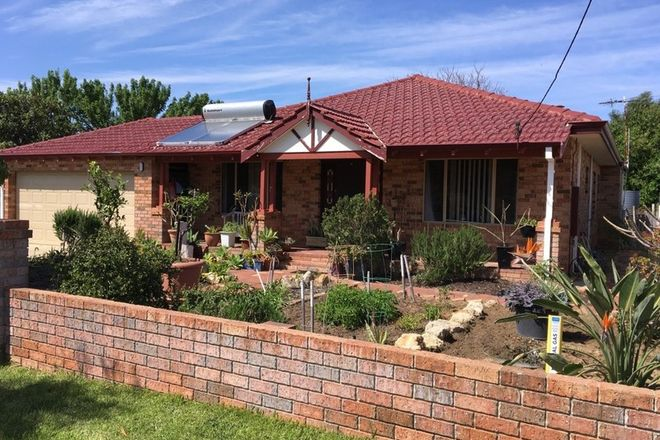 Picture of 11 Entrance Road, COOGEE WA 6166