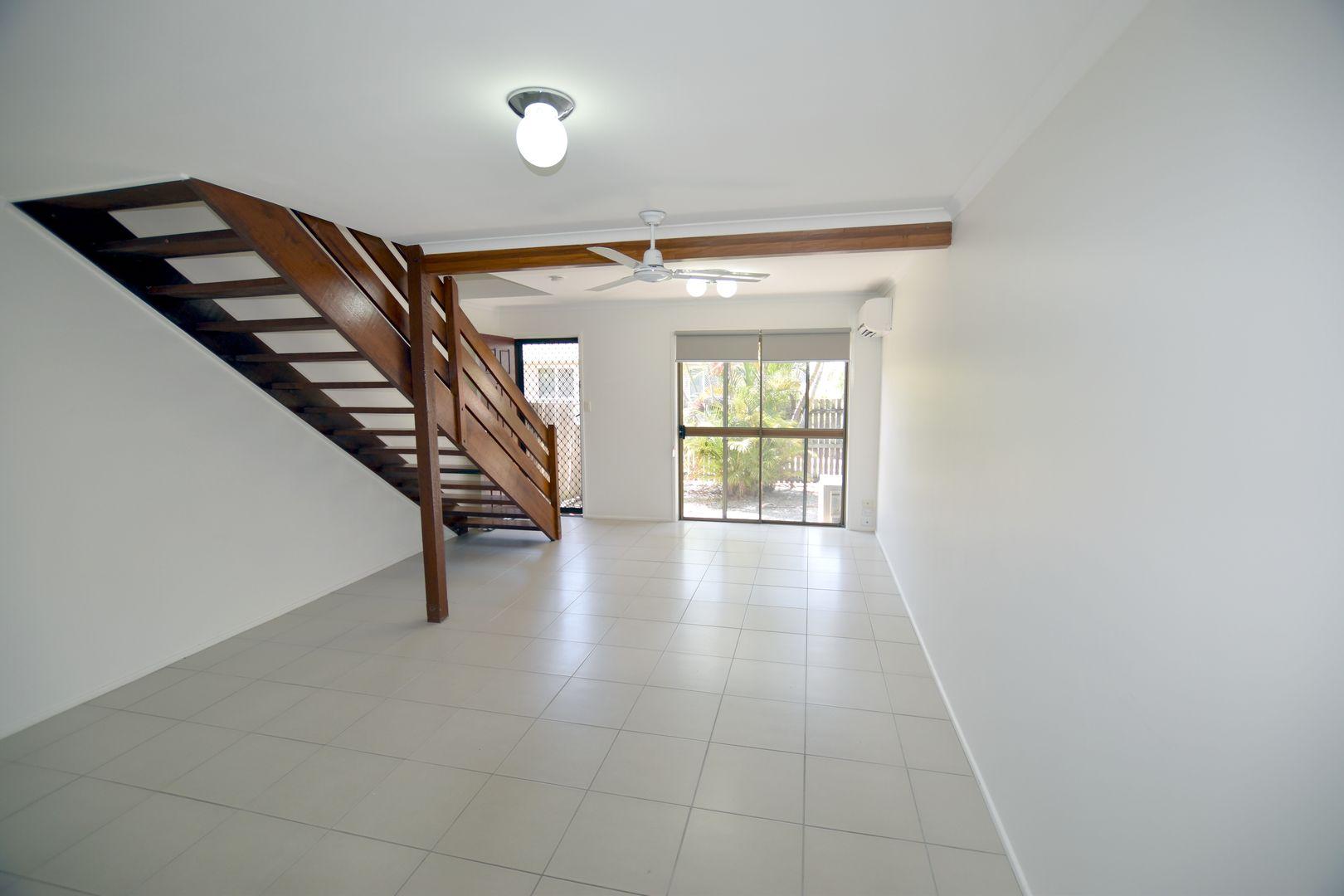 2/136 Oaka Lane, Gladstone Central QLD 4680, Image 1