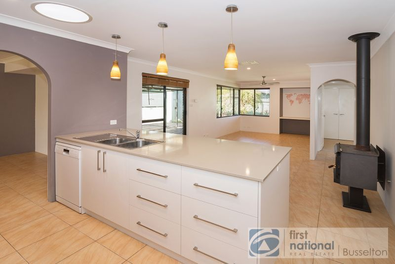 11 Glassby Place, West Busselton WA 6280, Image 2
