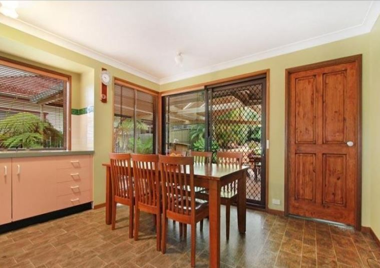 22 Grasmere St, Mount Saint Thomas NSW 2500, Image 2