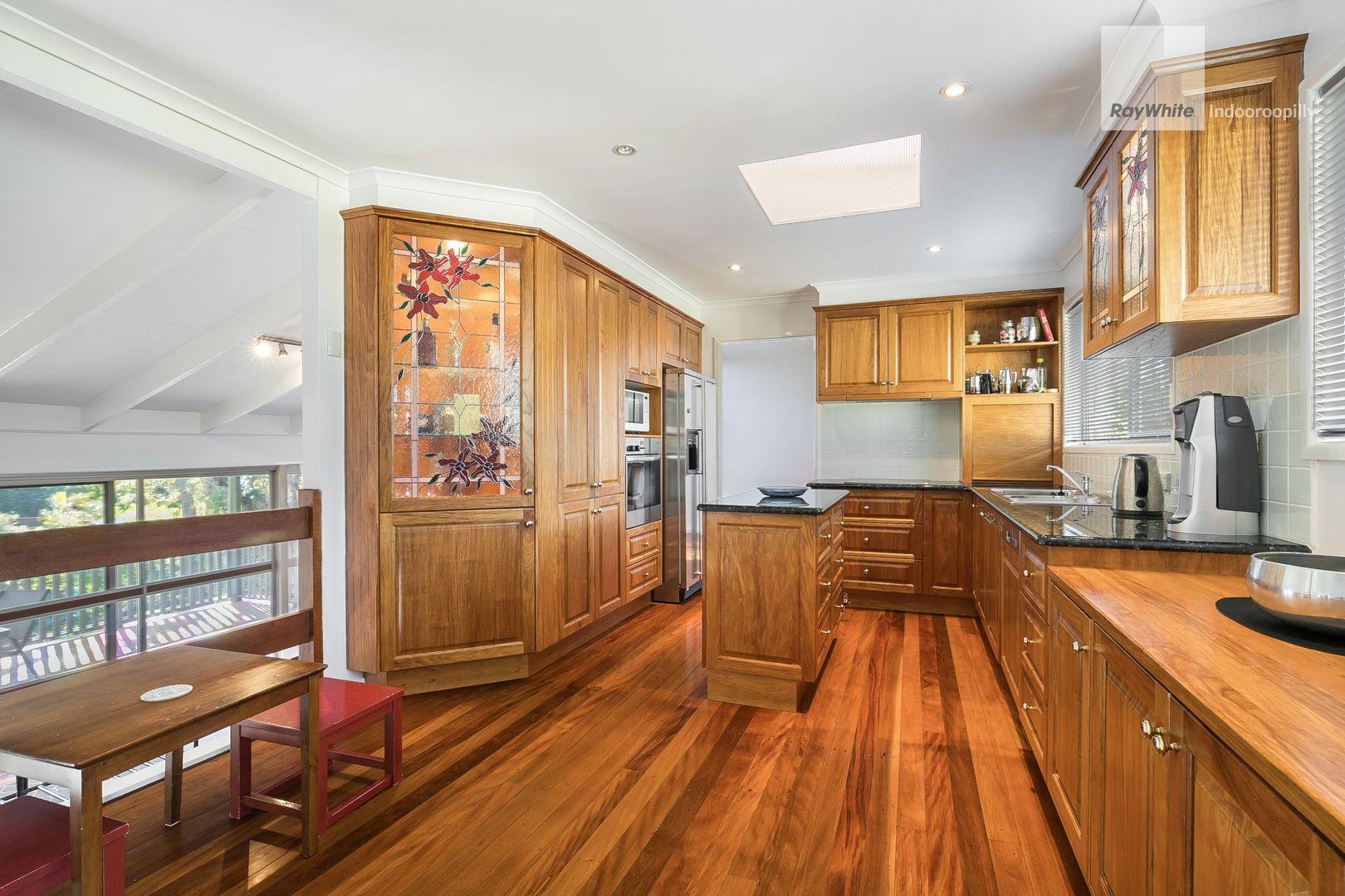 11 Gem Road, Kenmore QLD 4069, Image 2