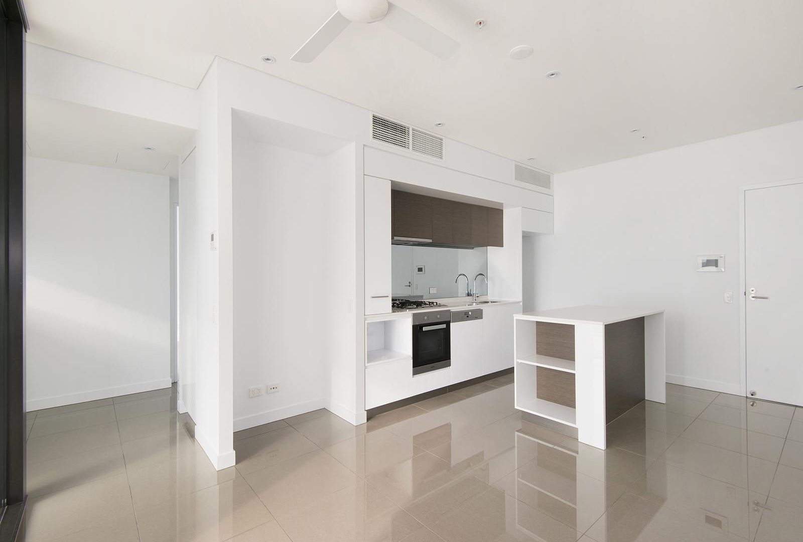 3096/33 Remora Road, Hamilton QLD 4007, Image 1