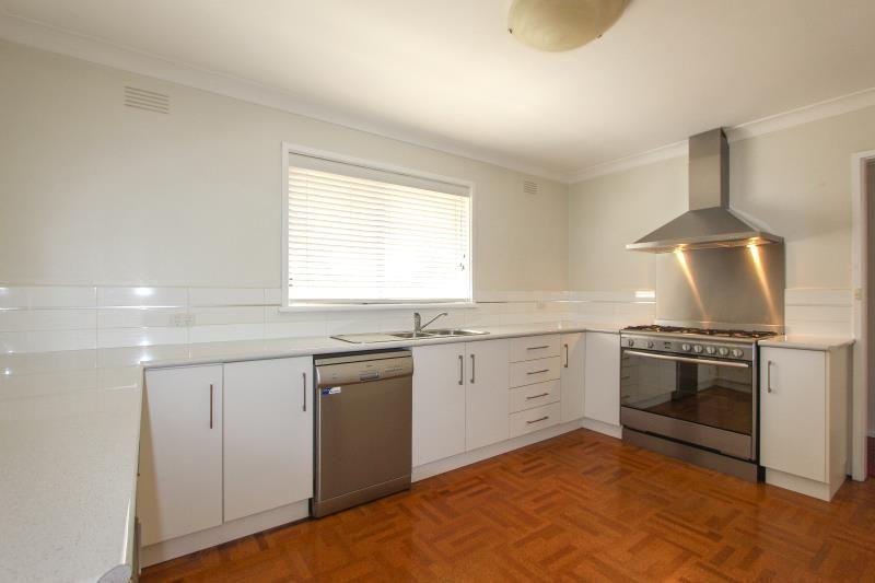 3 Fairbairn Avenue, Wagga Wagga NSW 2650, Image 2
