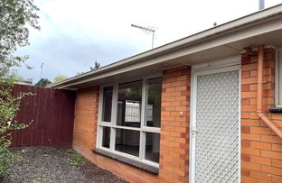 Picture of 2/20 James Avenue, Mitcham VIC 3132