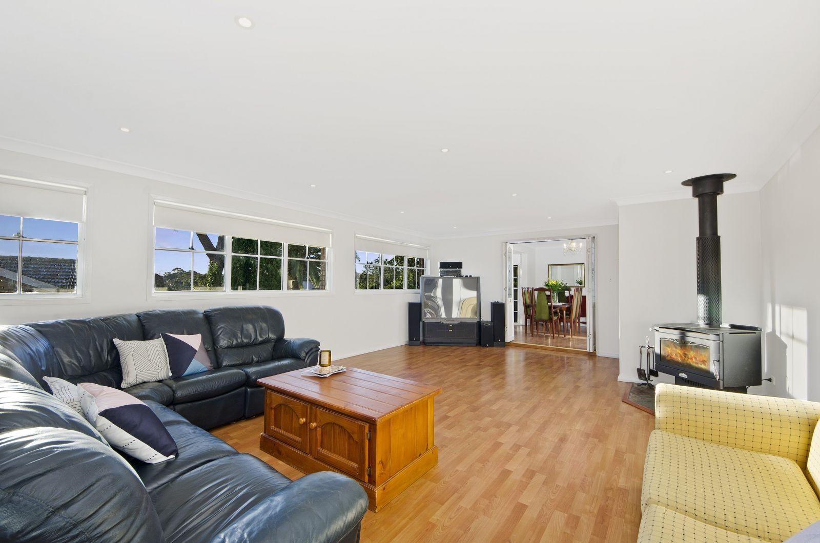 7 Daphne Avenue, Castle Hill NSW 2154, Image 1