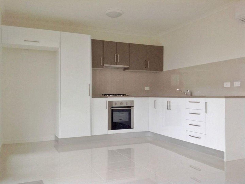 2/7 Burgundy Court, Caloundra West QLD 4551, Image 2