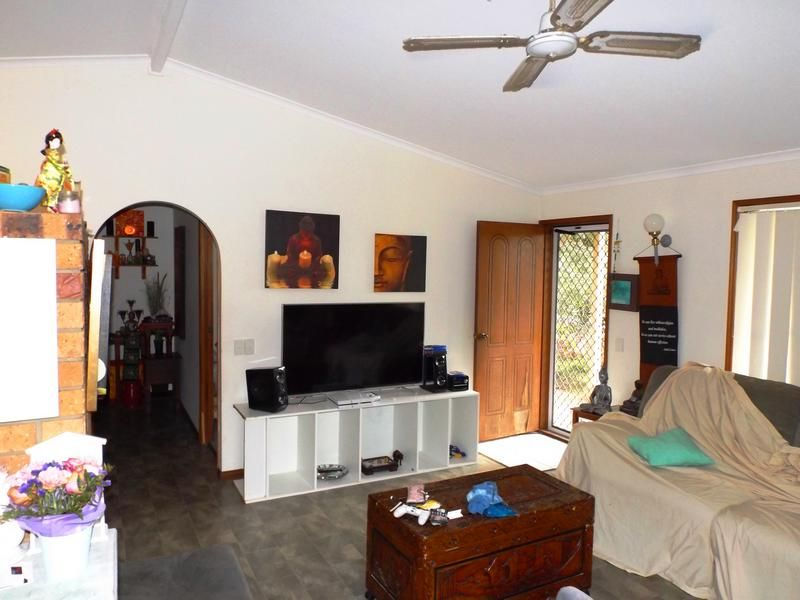 10 Cliveden Ave, Point Vernon QLD 4655, Image 1