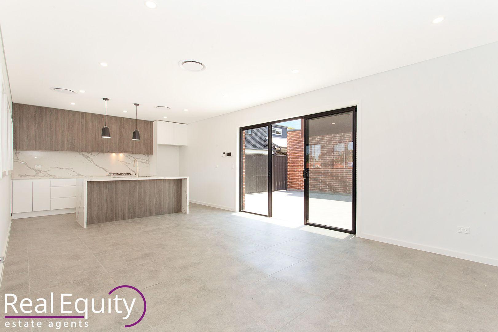 11 Sabre Crescent, Holsworthy NSW 2173, Image 1