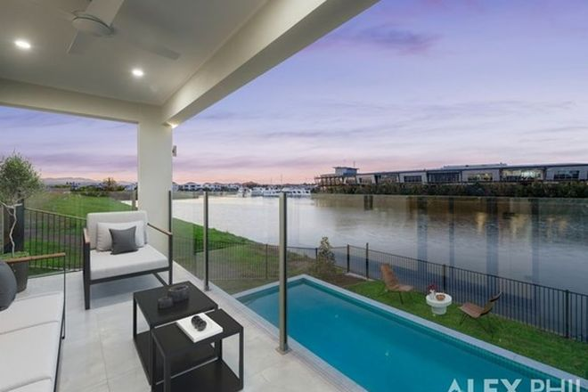Picture of 5029 Harbourview Drive, HOPE ISLAND QLD 4212