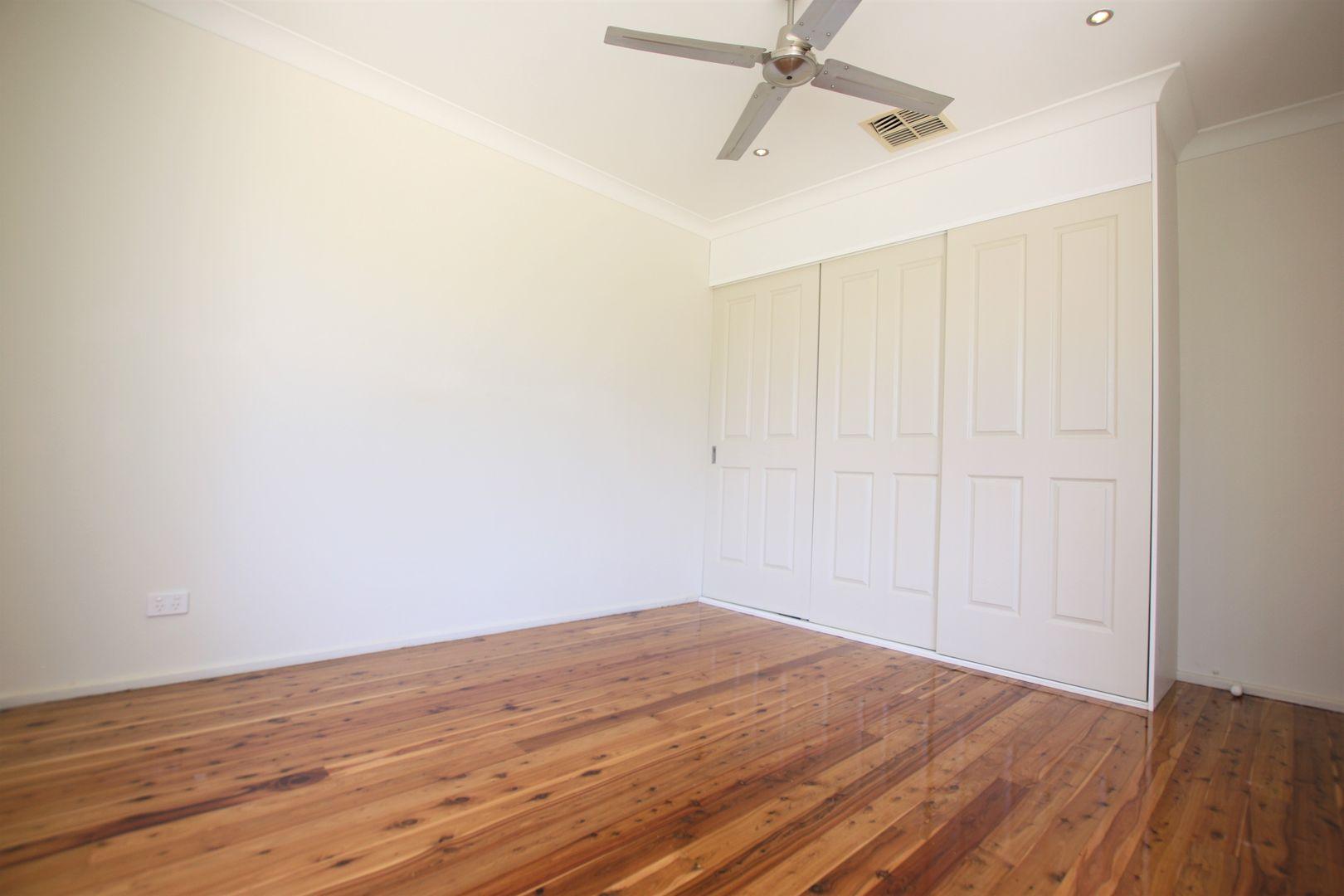 16 Macquarie Avenue, Leumeah NSW 2560, Image 2