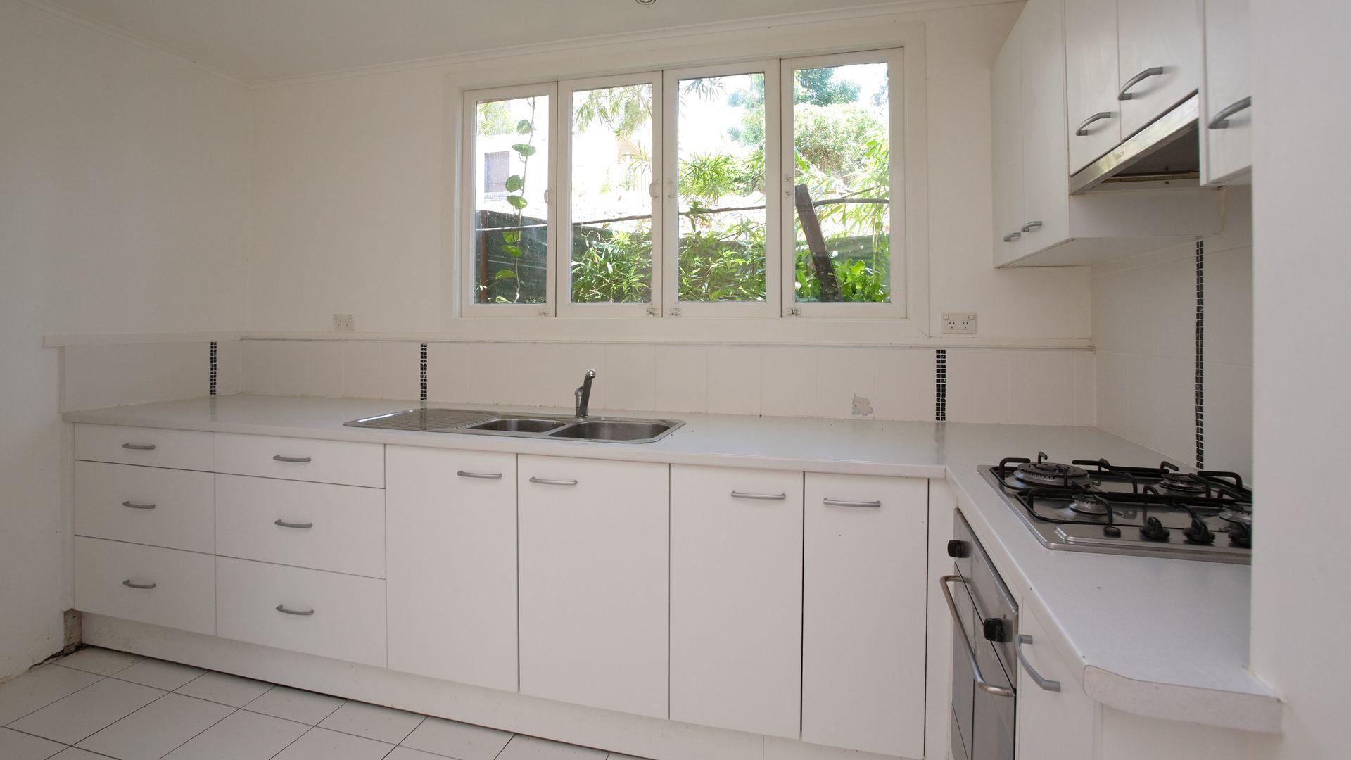 35 Thorpe Street, Indooroopilly QLD 4068, Image 2