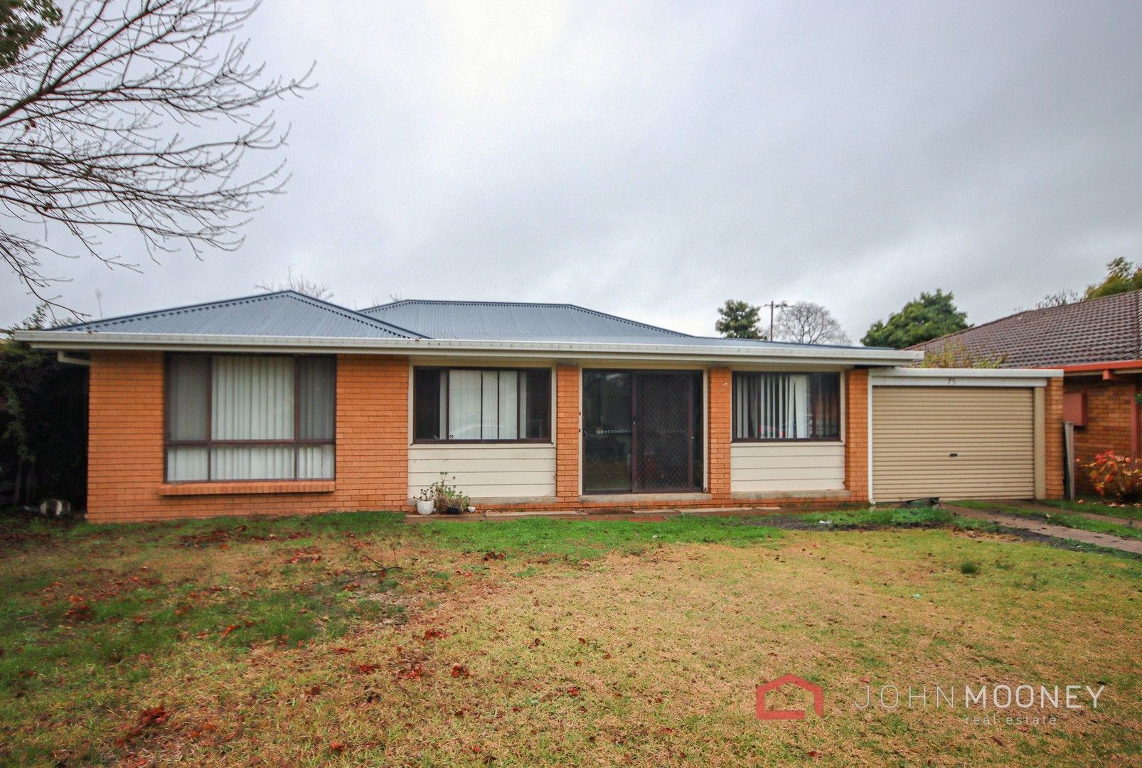 75 Huthwaite Street, Mount Austin NSW 2650, Image 0