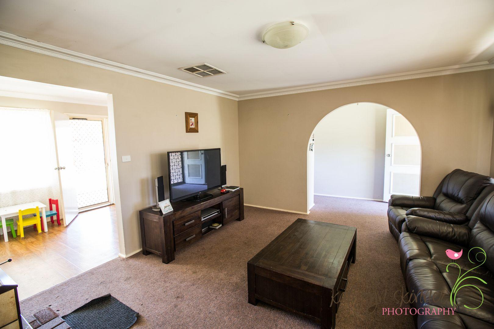 4 Iris Street, Gilgandra NSW 2827, Image 2