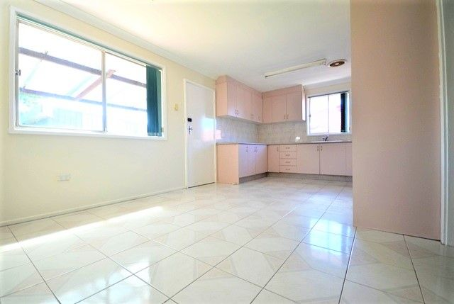 6 Boston Place, Toongabbie NSW 2146, Image 2