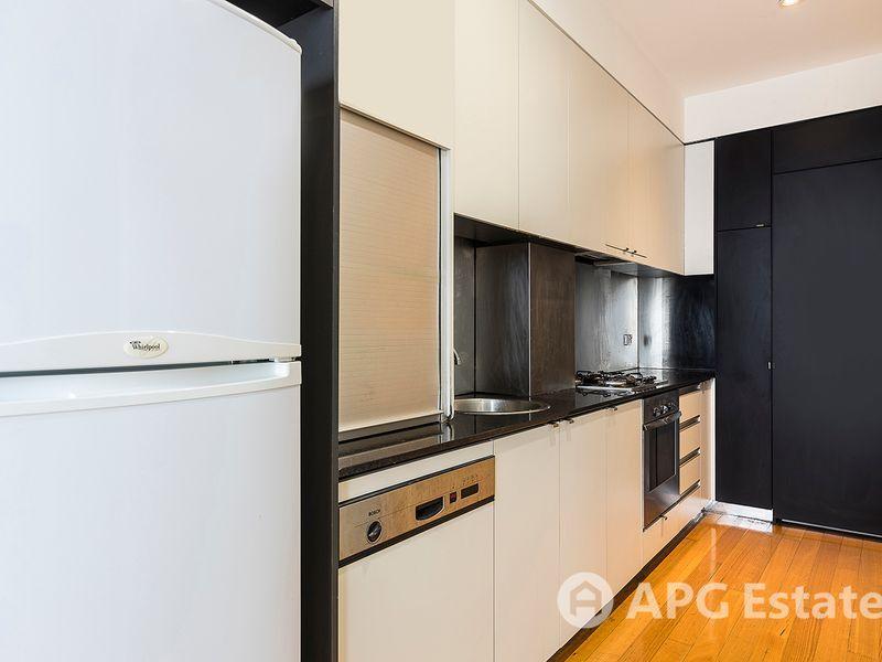 812/233 Collins Street, Melbourne VIC 3000, Image 2