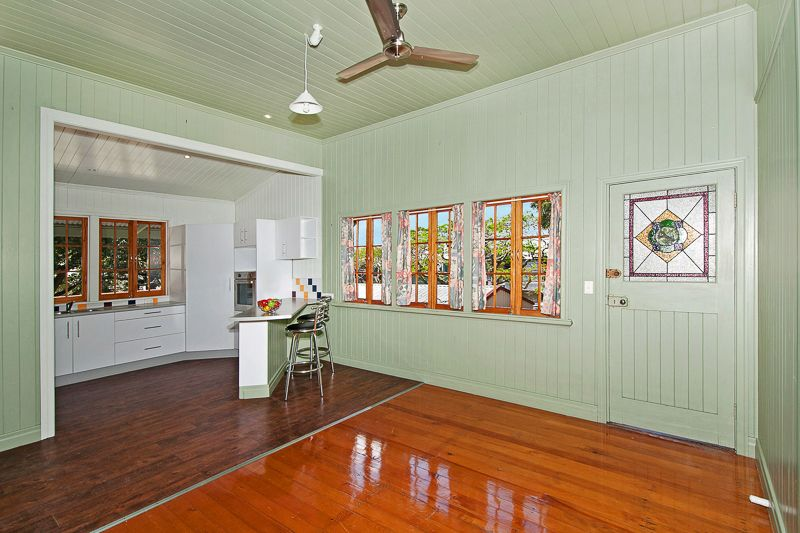 142 Englefield Road, Oxley QLD 4075, Image 1