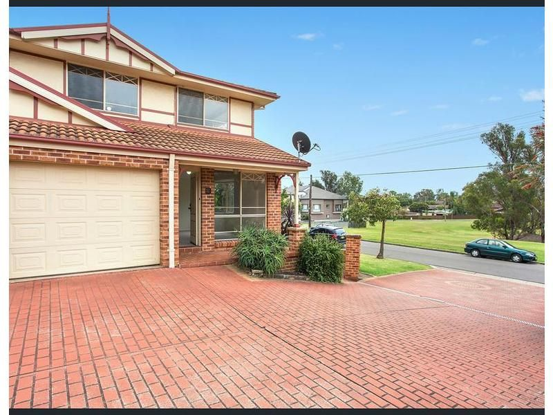 15/2 Robert St, Penrith NSW 2750, Image 0