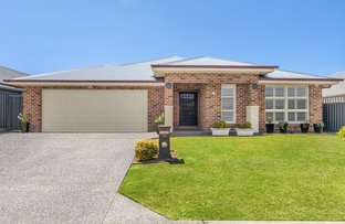 Picture of 11 Bayview Avenue, Haywards Bay NSW 2530