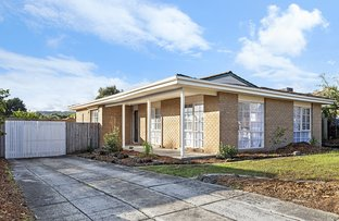 Picture of 5 Axedale Crescent, Endeavour Hills VIC 3802