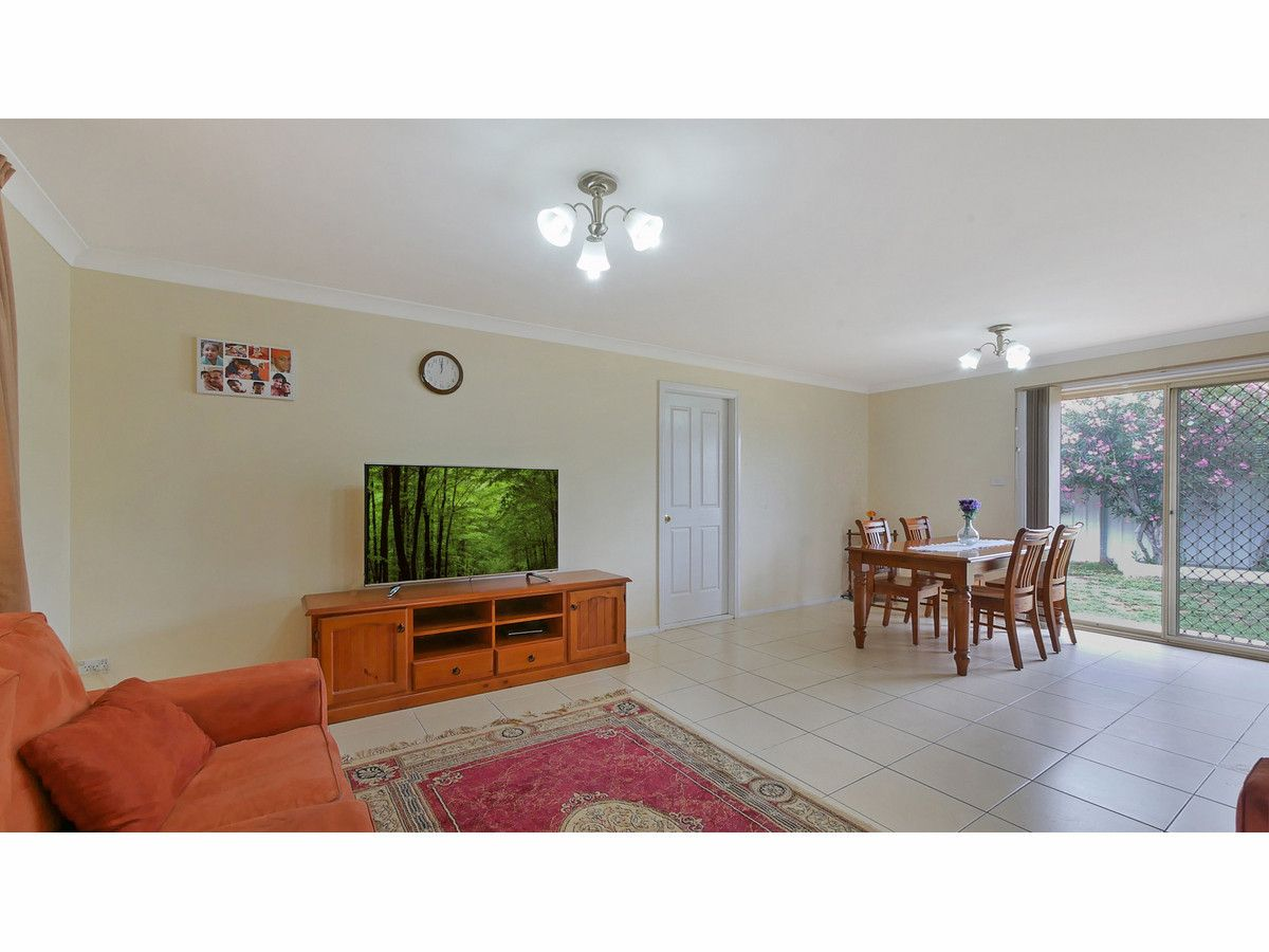 105 Oak Crescent, Narromine NSW 2821, Image 2
