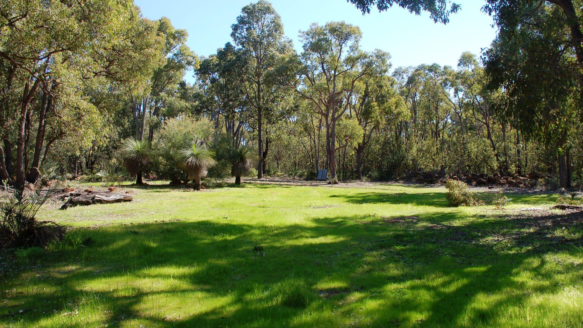 275 Clematis Grove, Wooroloo WA 6558, Image 2