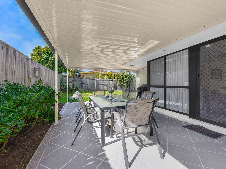 16 Marlborough Place, Carindale QLD 4152, Image 1