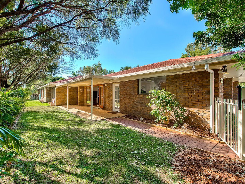 20 Owarra Avenue West, Ferny Hills QLD 4055, Image 0