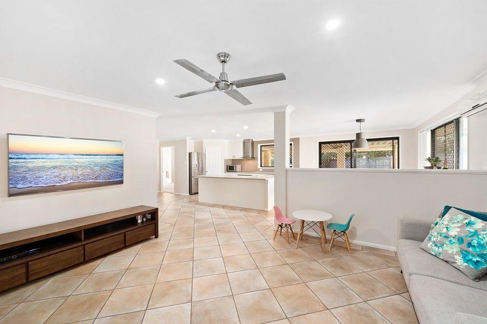 33 Mundie Place, Bray Park QLD 4500, Image 1
