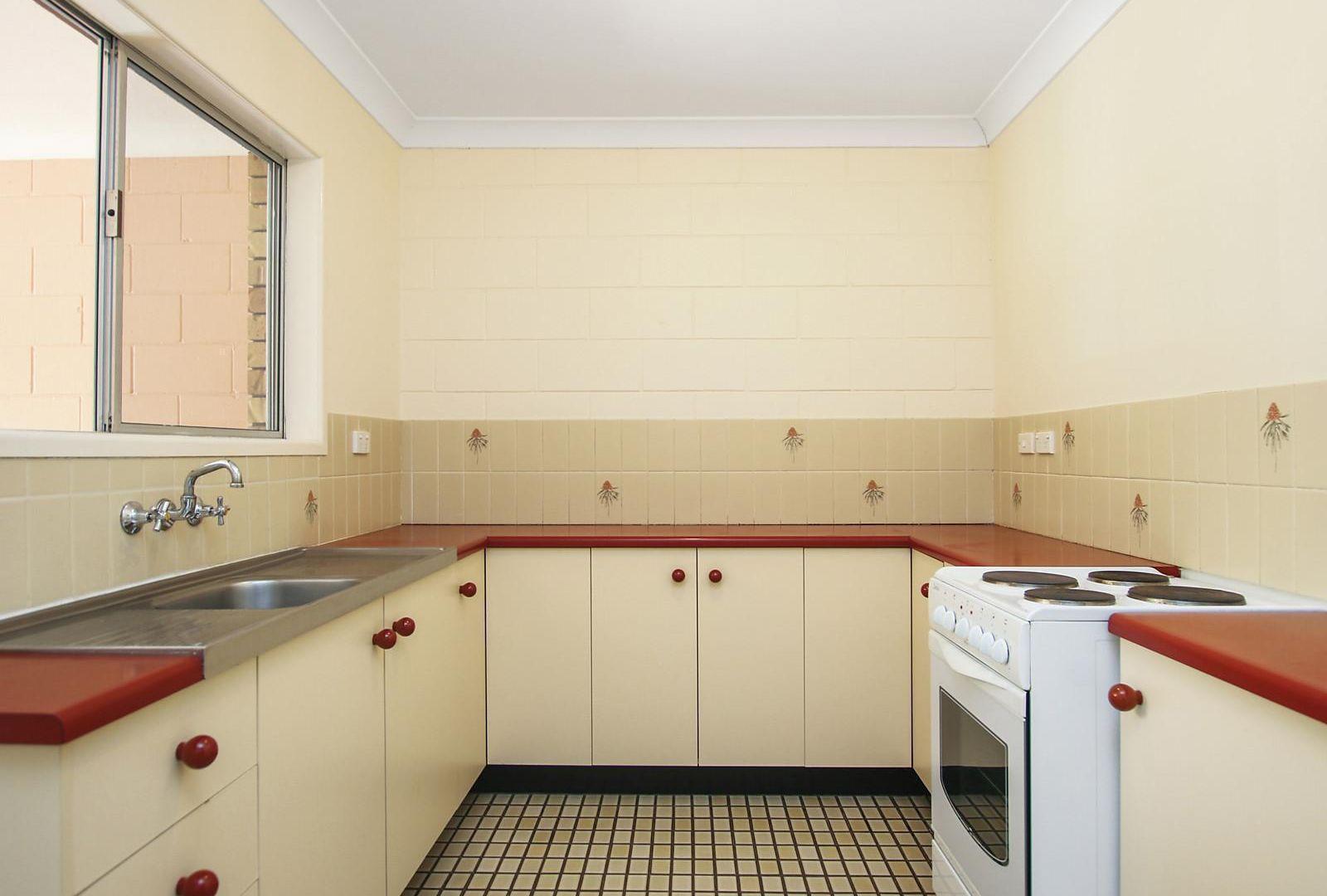 10 Kelman Street, Norman Gardens QLD 4701, Image 2