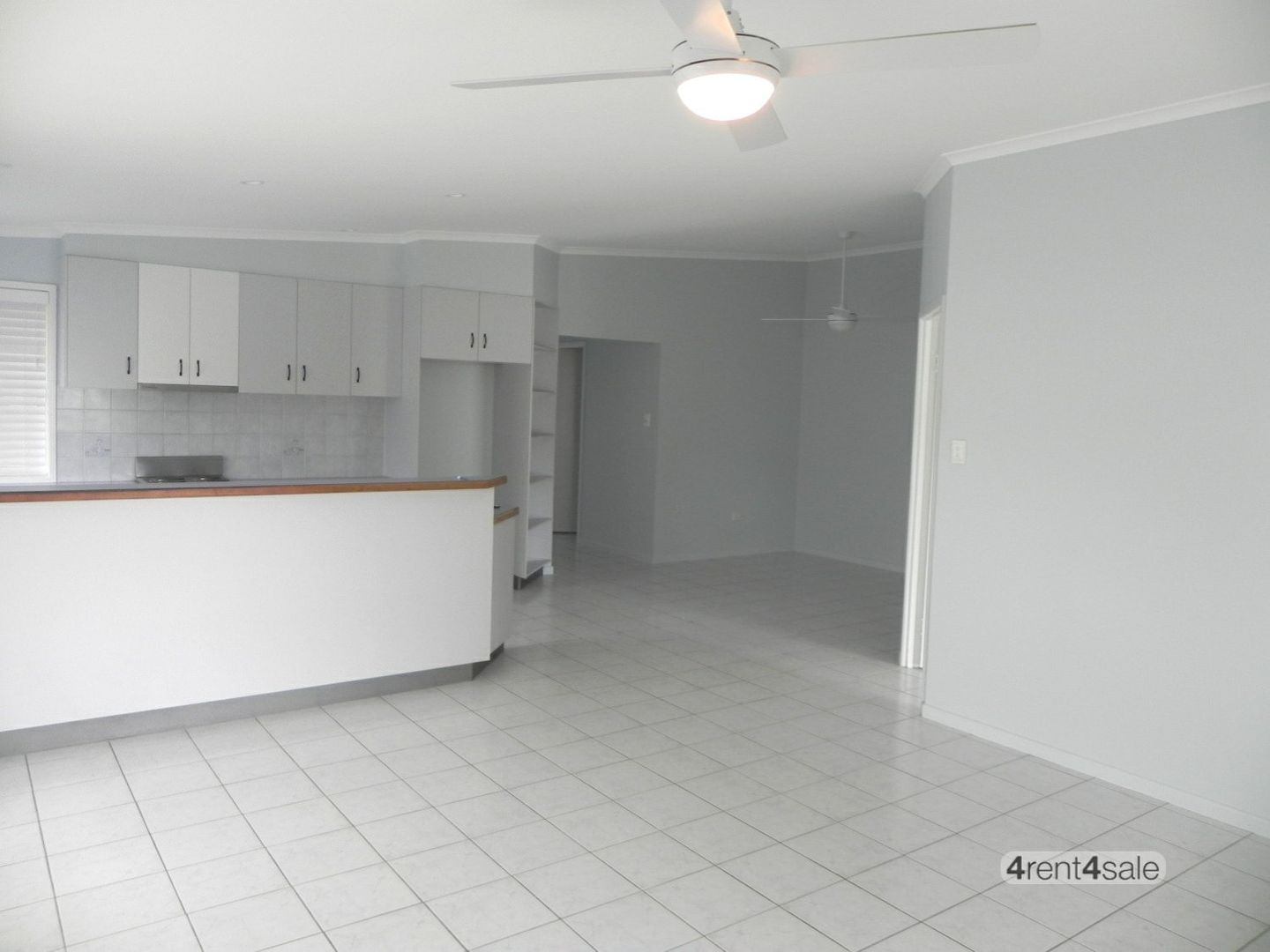 1/32 Drummer Street, Tin Can Bay QLD 4580, Image 2