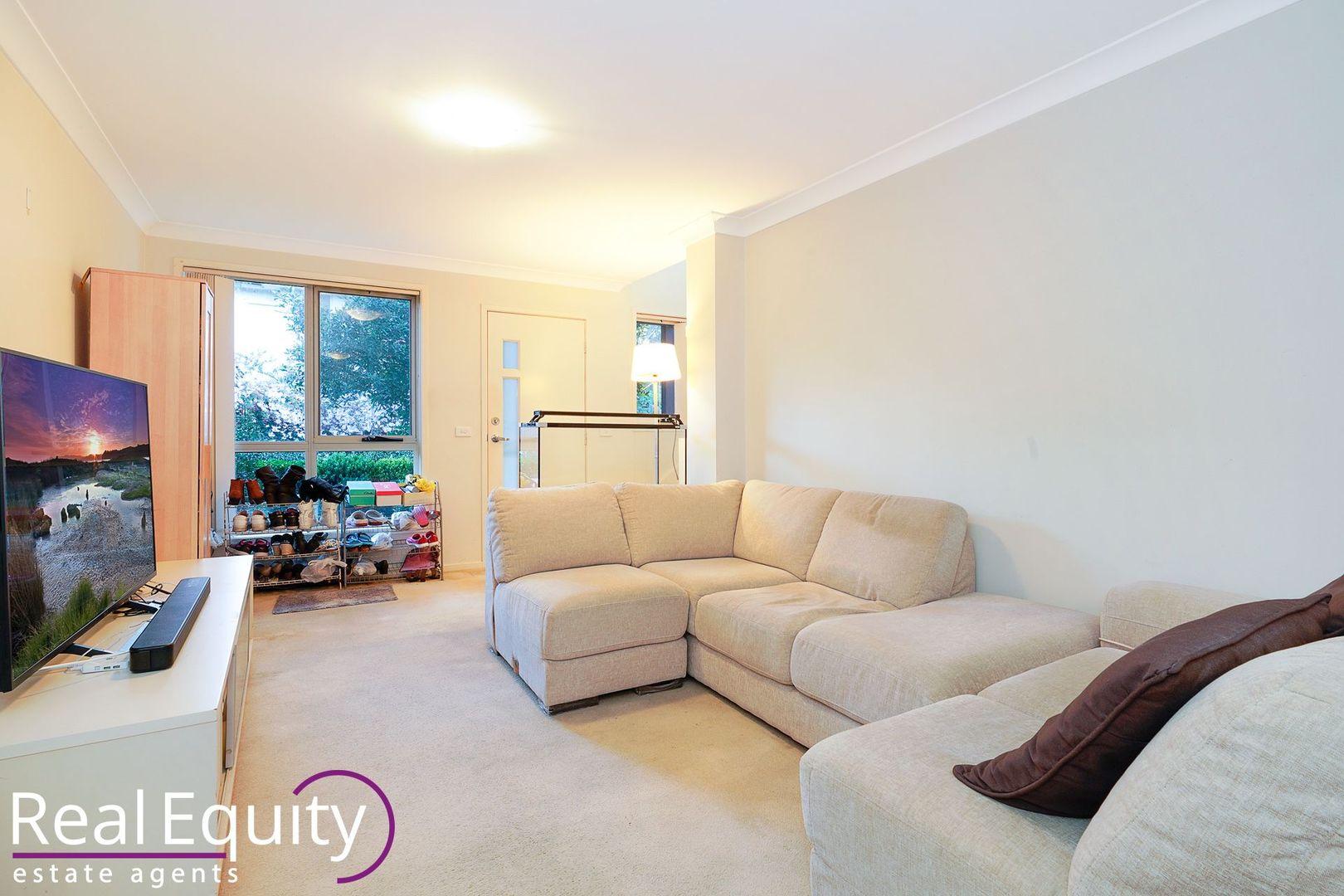 32 Margate Avenue, Holsworthy NSW 2173, Image 1