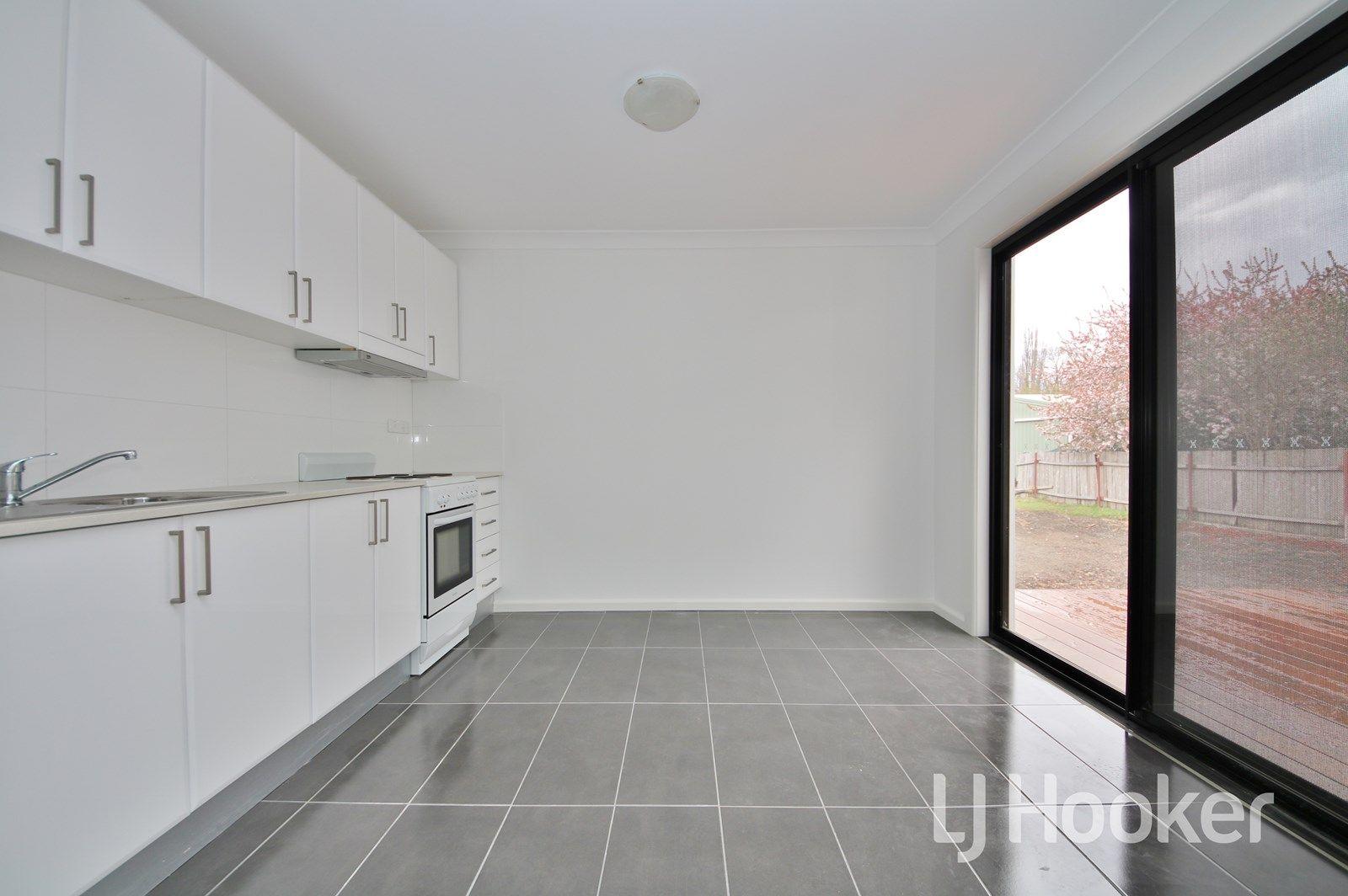 33 Stewart Street, Bathurst NSW 2795, Image 2