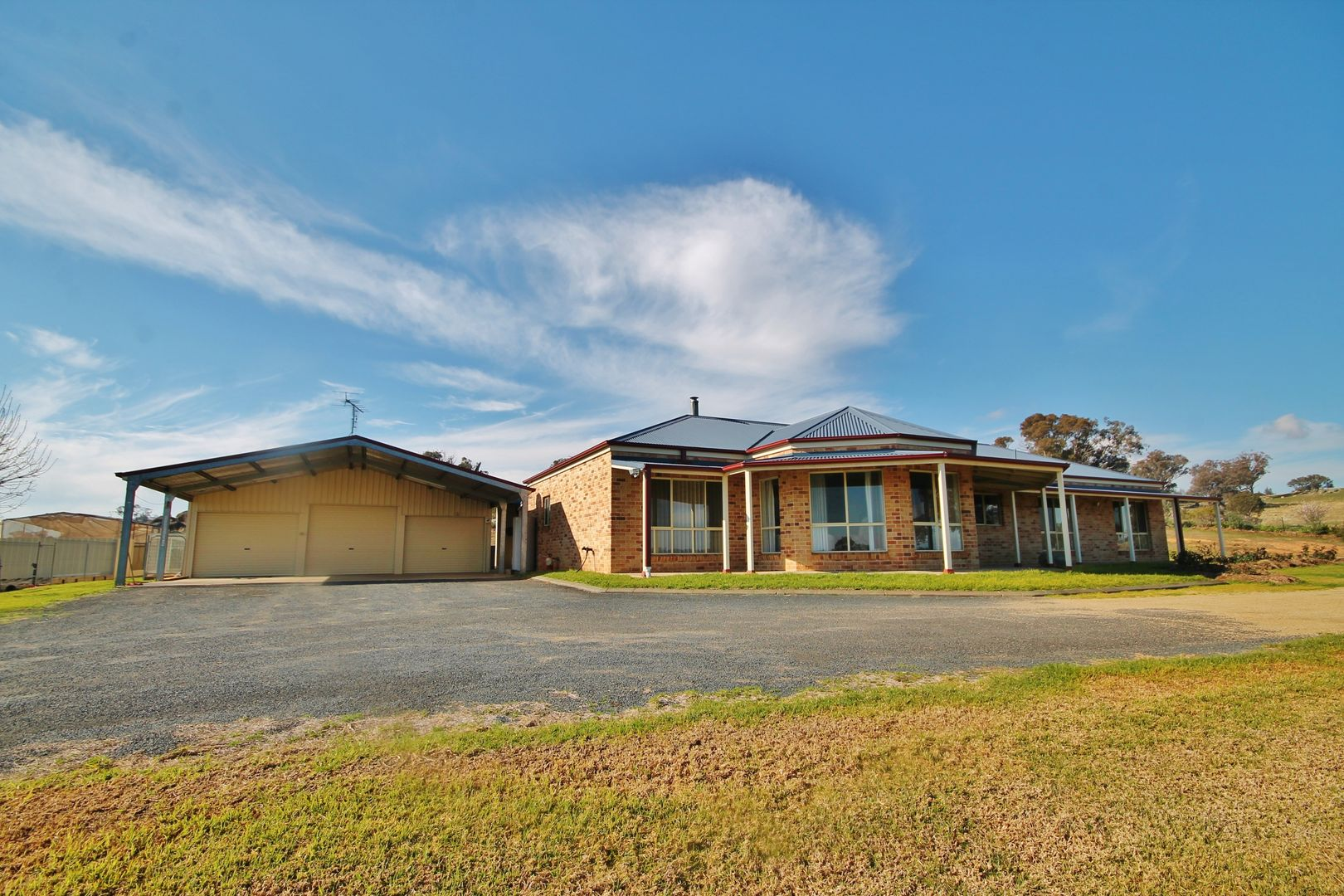 39 Burrows Road, Young NSW 2594, Image 0