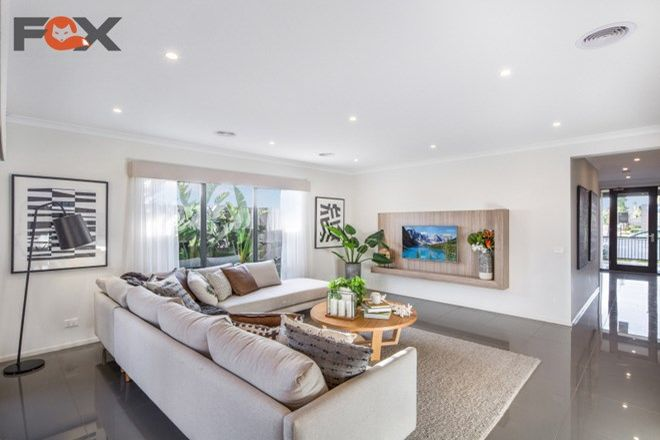 Picture of 6 Wiltshire Boulevard, THORNHILL PARK VIC 3335