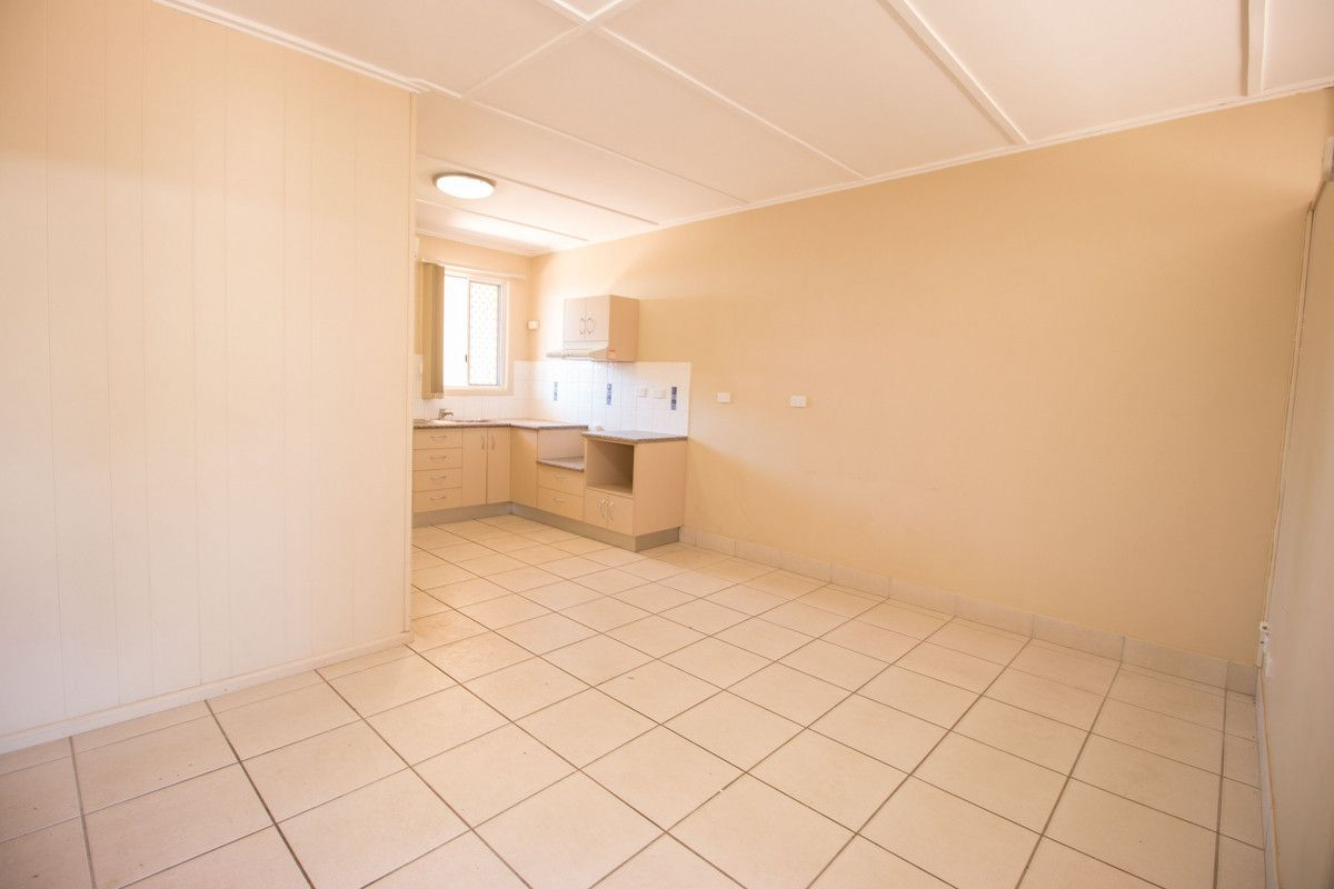 2/176 West Street, Mount Isa QLD 4825, Image 1