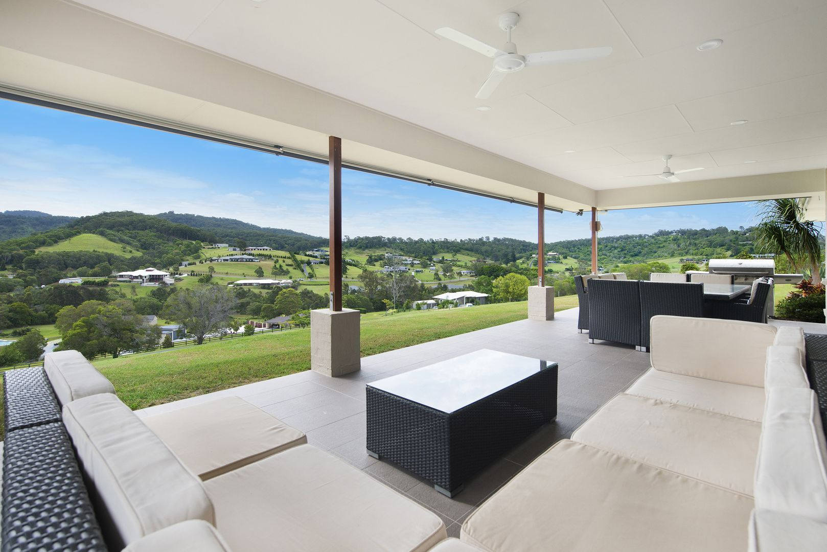 31 BLACKS ROAD, Willow Vale QLD 4209, Image 0