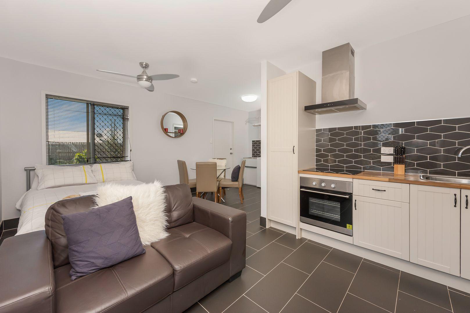 2/60 Meenan Street, Garbutt QLD 4814, Image 1