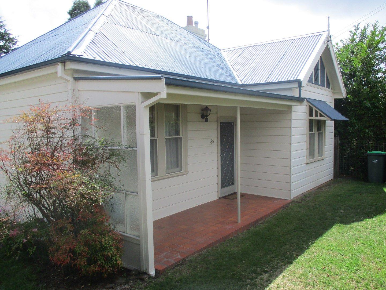 37 Freelander Avenue, Katoomba NSW 2780, Image 0