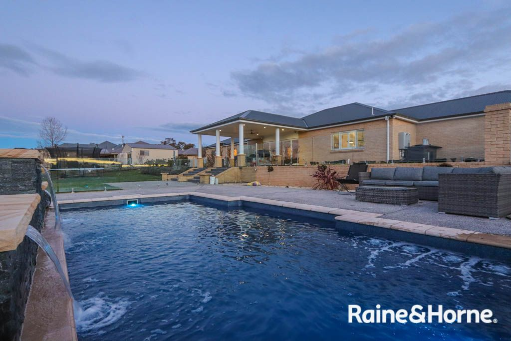 14 Robindale Court, Robin Hill NSW 2795, Image 0